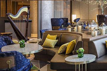 スイスホテルのリッチなホテルビュッフェ