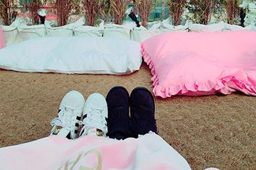 ピンクホテルのテラスがとっても可愛い。