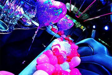 お誕生日にリムジンパーティーでゴージャスに。