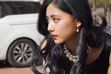 人気韓国のアイドルグループtwiceの美人メンバーツウィ。