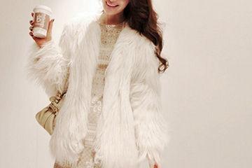 上品で可愛いホワイトのファーコート