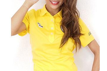 派手色のポロシャツが可愛いゴルフウェア
