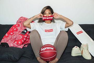 Supremeのロゴが可愛い