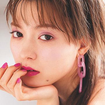 八木アリサのピンクメイクがMODEでかわいい