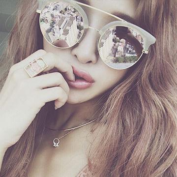 個性的なミラーサングラス