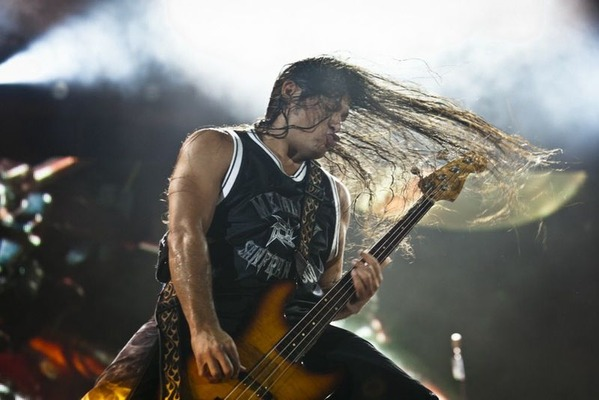 ROBERT_TRUJILLO_2011_AP
