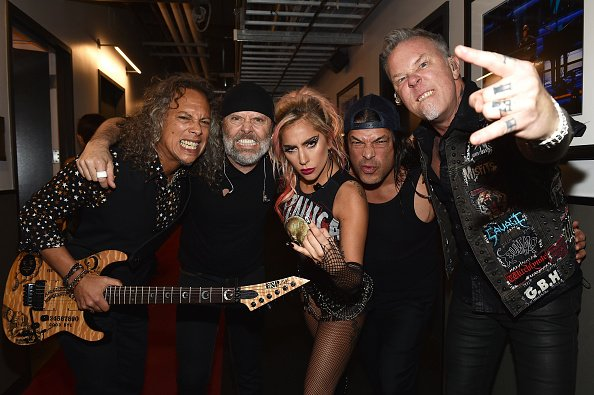 metallica_ladygaga_backstage_2017grammy