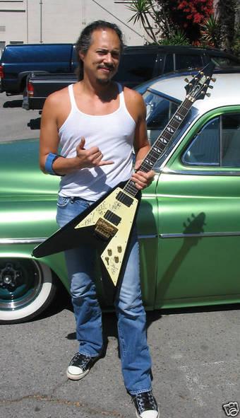 カーク・ハメット with ギター