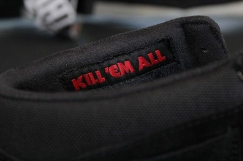 metallica-vans-half-cab-kill-em-all-03-570x380
