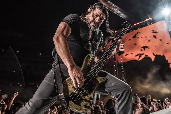 Metallica-Metlife-Loudwire