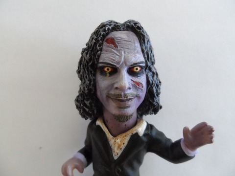 only100_kirkvonhammett_figure_up