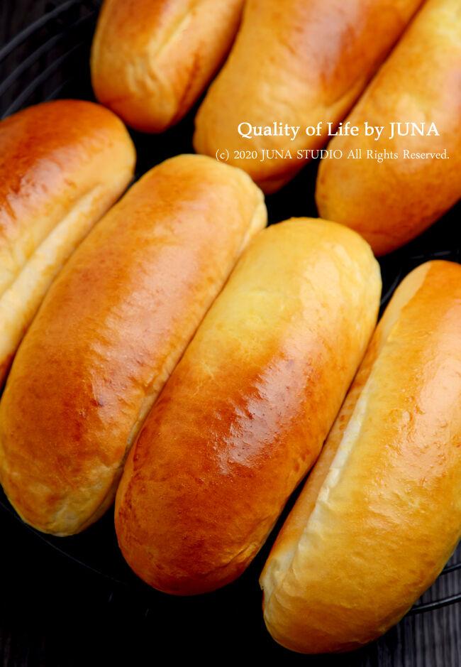 昨日夜12時過ぎに焼き上げたパンで、今朝はいろいろサンドック(って何w)
