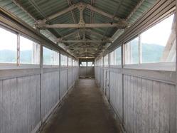 13八木駅舎跨線橋内部