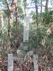 31砲兵中尉墓