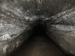 30地下壕内部