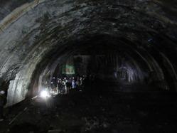 11地下ドーム奥壁から