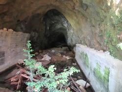 45地下壕3内部