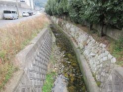 6石組水路