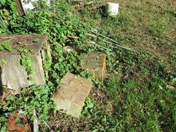 23煉瓦残骸