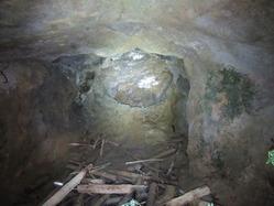 66未成地下壕3内部