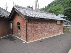 24敦賀港駅ランプ小屋 明治15年