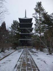 仁和寺五重塔の雪