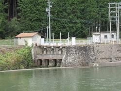67戦前の発電所か 国府町村山