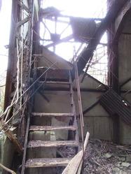 14溶融回収所階段