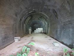 43地下壕2内部