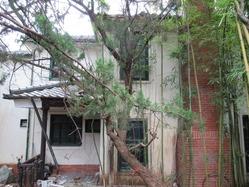 12奈良市内某所の廃洋館