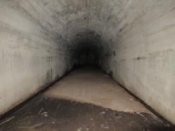 26地下壕内部