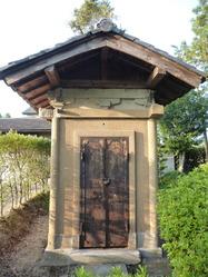 24旧吉川小学校奉安殿1 吉川町