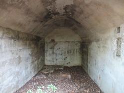 5愛宕山防空砲台燃料庫壕内部1