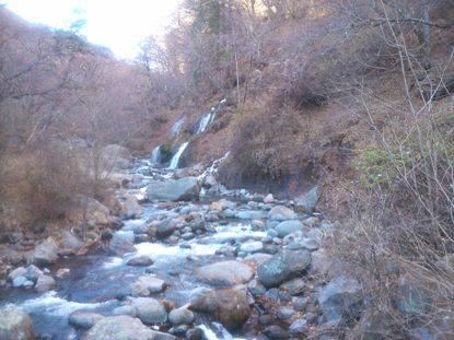 吐竜の滝1