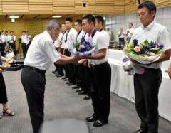 金足農に県民栄誉章授与へ 知事「秋田の野球変えた」