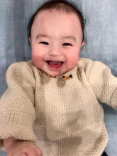 川崎希、アレクの祖母が息子に手編みのニット「素敵なおばあちゃん」
