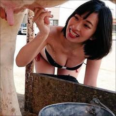 倉持由香、乳頭を握って白い液体がピュッ!乳搾り画像に反響