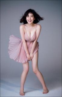 筧美和子 スケスケのモンロー風衣装で史上最高ボディ大開放