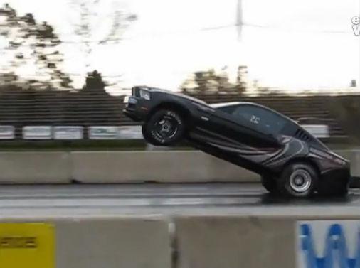 douga1245 (音量注意!! ドラッグレース用のチューンがされた市販レーサーのフォード..
