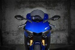 2019-Yamaha-YZF1000R1-EU-Yamaha_Blue-Detail-006