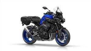 2017-Yamaha-MT10-Tourer-Edition-EU-Yamaha-Blue-Studio-001