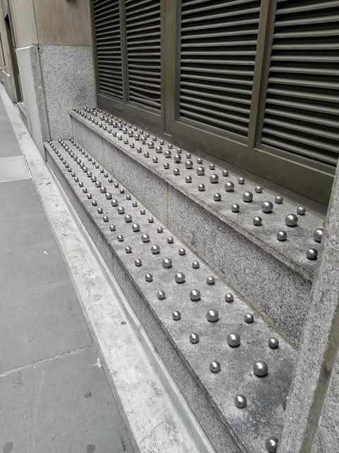INSP_Hostile Architecture_16