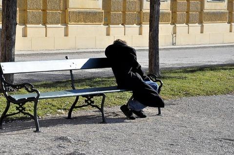homeless-2216479_640