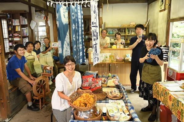 元駄菓子屋の古民家を利用した多世代交流カフェ「ゆいっこ」