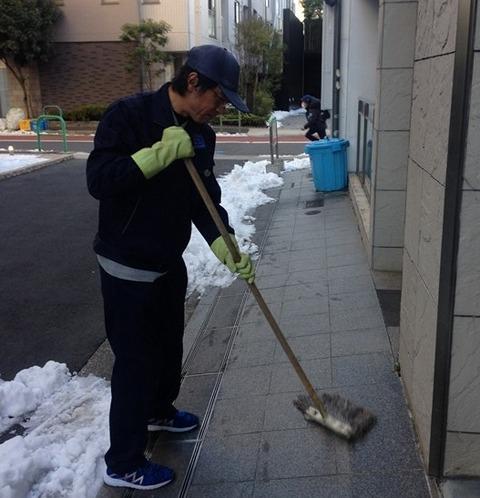6 朝の清掃現場