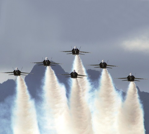 p1820main_Blue_Angels_on_Delta_Formation