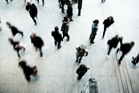 pedestrians-1209316_1280