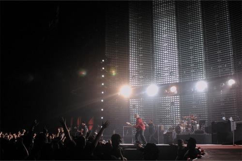 U2 18