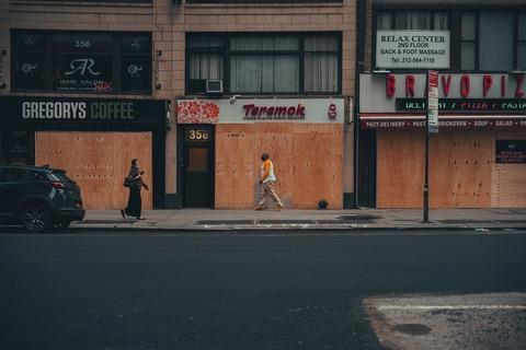 stores-closed-5276150_1280