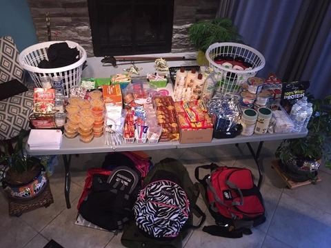 CON_Formerly homeless woman leads backpack program_1